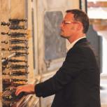Christoph Hauser: organ meets percussion